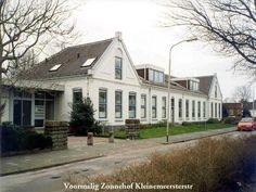 Kleinemeersterstraat Sappemeer, nu omgebouwd tot woonhuizen
