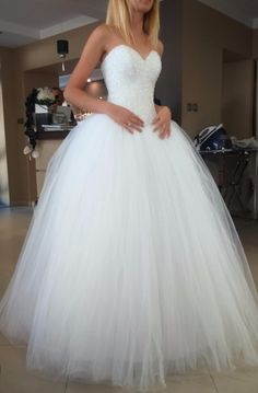 Suknia ślubna a la Princessa Source by dresses Stunning Wedding Dresses, Bridal Wedding Dresses, Bridesmaid Dresses, Deb Dresses, Prom Dresses, Debutante Dresses, Fairytale Bridal, Marie, Ball Gowns