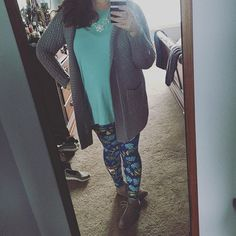 """LOVE!! This outfit! Oven ever really been a """"leggings in public"""" person before…"""