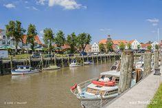 Nur eine kurze Fußstrecke liegt unser Hotel vom wunderschönen Hafen in Tönning entfernt
