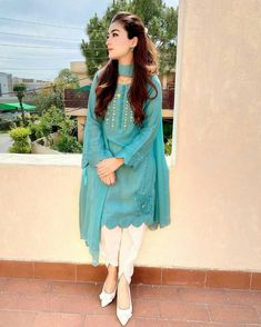 Pakistani Fashion Party Wear, Indian Fashion Dresses, Dress Indian Style, Indian Designer Outfits, Pakistani Outfits, Designer Dresses, Pakistani Casual Wear, Pakistani Clothing, Stylish Dresses For Girls