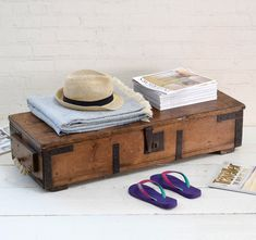 #blanketbox #antiques #bedroomdecor #interiorstyling