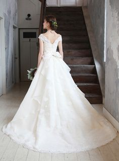 innocently | ウエディングドレスならイノセントリー Wedding Party Dresses, Designer Wedding Dresses, Bridal Dresses, Debut Gowns, Weeding Dress, Perfect Bride, Beautiful Gowns, Dream Dress, Pretty Dresses