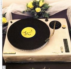 Is your groom-to-be a music lover? This grooms cake is an awesome idea.