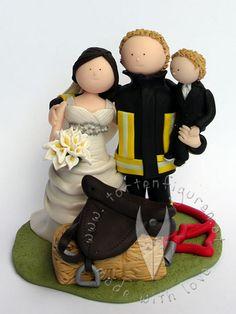 Feuerwehr Brautpaar mit Kind von www.tortenfiguren.at - Firefighter Weddingcaketopper