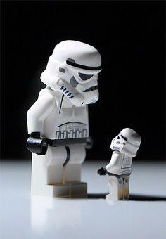 Big Bro Trooper - Star Wars Stormtroopers - Ideas of Star Wars Stormtroopers - Stormtrooper Lego Star Wars, Star Trek, Star Wars Darth, Lego Stormtrooper, Starwars Lego, Lego Mandalorian, Star Destroyer, Obi Wan, Star Wars Figure