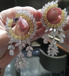 Love For Beauty ! Beautiful Things Make Me Happy ! Stunning Yellow and White Diamond Earrings to Complete You ! Indian Jewelry Earrings, Indian Jewelry Sets, Fancy Jewellery, Jewelry Design Earrings, Gold Earrings Designs, Ear Jewelry, Stylish Jewelry, Bridal Jewelry, Gold Jewelry