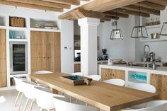 The fusion of Ibizan traditions with function, form, and taste is the hallmark of a Blakstad Ibiza house project. Kitchen Dinning, Rustic Kitchen, Kitchen Decor, Open Kitchen, Villa Design, House Design, Home Interior Design, Interior Decorating, Design Consultant