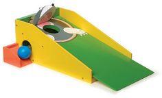 """Minigolf """"Maulwurf"""". Mit 2 Schlägern, 3 bunten Bällen und 1 Rückweggeber. Für Profis eine lustige Erweiterung des Minigolf- Sets. Ganzjahresartikel, da das Holzspielzeug für drinnen und draussen gut geeignet ist!"""