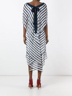 Uncover designer cocktail dresses at Farfetch. Diy Fashion, Love Fashion, Fashion Dresses, Elegant Dresses For Women, Casual Dresses, Designer Party Dresses, Stripped Dress, Pattern Fashion, Stylish Outfits
