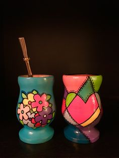 Pintura Painted Flower Pots, Painted Pots, Paper Mache Bowls, Mandala, Mug Art, Clay Pots, Decoupage, Diy And Crafts, Projects To Try