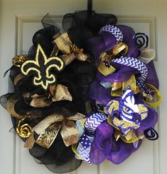 LSU Saints Wreath must have! Saints Wreath, House Divided Wreath, New Orleans Saints Football, Sports Wreaths, Football Wreath, Arts And Crafts, Diy Crafts, Just Dream, Deco Mesh Wreaths