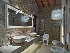Αποτέλεσμα εικόνας για built-in shower with stone wall