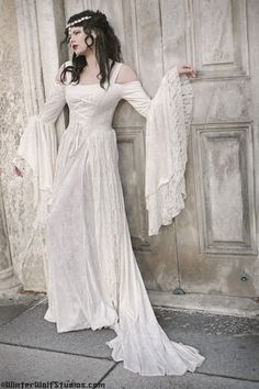 Gwendolyn Medieval or Renaissance Wedding Gown Velvet and Lace Custom Renaissance Wedding Dresses, Medieval Gown, Medieval Wedding, Renaissance Dresses, Gothic Wedding, Geek Wedding, Wedding Tips, Medieval Fashion, Medieval Clothing