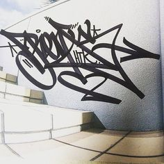 this tag by Renos (@renosoner) is doing a wall ride.  #renos #handstyle #graffiti //follow @handstyler on Instagram