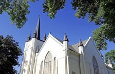 The LDS Tabernacle in Wellsville, Utah. (Photo by Eli Lucero)