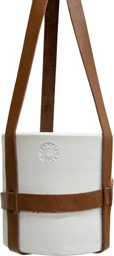 http://www.zakkia.eu/plant-hanger-brown-leather