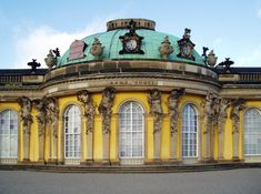 Sanssouci Palace, designed by Georg von Knobelsdorff, Potsdam, Germany Berlin Travel, Le Siecle, Palace Garden, Summer Palace, Architecture Wallpaper, Le Palais, Rococo Style, Building Structure, Gardens