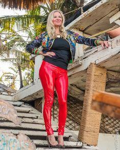 Pvc Leggings, Leggings And Heels, Vinyl Leggings, Tight Leather Pants, Leather Pants Outfit, Leather Dresses, Leather Fashion, Red Leather, Lady