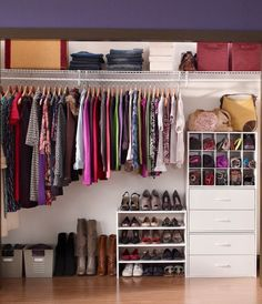 Reach In Closet Using ClosetMaid Wire Shelving And And DIY Stackable  Orgainzers In White.