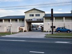 Brisbane Best Western Caboolture Gateway Motel Australia, Pacific Ocean and Australia Stop at Best Western Caboolture Gateway Motel to discover the wonders of Brisbane. Both business travelers and tourists can enjoy the hotel's facilities and services. Free Wi-Fi in all rooms, 24-hour security, fax machine, facilities for disabled guests, luggage storage are on the list of things guests can enjoy. Comfortable guestrooms ensure a good night's sleep with some rooms featuring fac...
