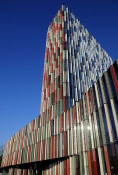 KFW Banking Group - Francfort (Allemagne). Architecte : Sauerbruch Hutton, Berlin. Photo de Thorsten. En détail : http://farm4.staticflickr.com/3467/3986652934_73b70e69de_b.jpg