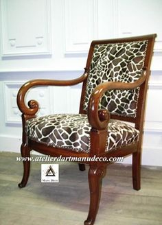 Vign_Fauteuil_Girafe-Tapissier_Premery Reupholster Furniture, British Colonial, Soft Furnishings, Decoration, Farmhouse Style, Painted Furniture, Accent Chairs, Armchair, Interior