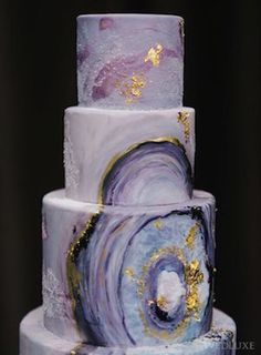 Geode Wedding Cakes as seen on Wedding Blog Humming Heartstrings. Read more: http://www.hummingheartstrings.de/?p=20229. Photo by Tara McMullen Photography