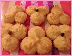 Biscuits presse à la noix de coco
