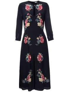 All day dresses. Never be stuck without something to wear with our collection of designer day dresses at Farfetch. Floral Dress Outfits, Silk Floral Dress, Dressy Dresses, Lovely Dresses, Day Dresses, Silk Dress, Beautiful Outfits, Dress Casual, Beautiful Clothes