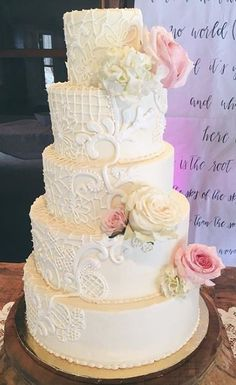 Lace Wedding Cakes Lovely lace accented piping on this classic wedding cake. Floral Wedding Cakes, White Wedding Cakes, Floral Cake, Wedding Cake Designs, Wedding Cupcakes, Lace Wedding, Purple Wedding, Wedding Tips, Creative Cake Decorating