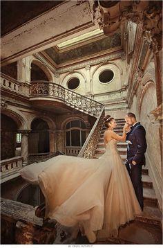 International workshops for photographers by awarded wedding photographer @GrzegorzMoment - http://www.moment-workshops.com