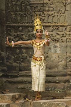 Apsara dancer, Ta Som Temple, Angkor, Siem Reap, Cambodia | © Gabrielle Therin-Weise