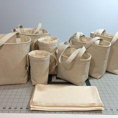 Zero Waste Mason jar carrier bag PATTERN Jars to Go Bag craft craft diy craft for kids craft no sew craft to sale Pot Mason Diy, Mason Jar Crafts, Mason Jars, Canning Jars, Diy Home Decor Projects, Sewing Projects, Projects To Try, Mason Jar Lunch, Zero Waste