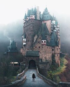 The medieval Eltz Castle in Wierschem is the - reisen bilder - Urlaub Places Around The World, Oh The Places You'll Go, Places To Travel, Travel Destinations, Places To Visit, Around The Worlds, Car Places, Thailand Destinations, Amazing Destinations