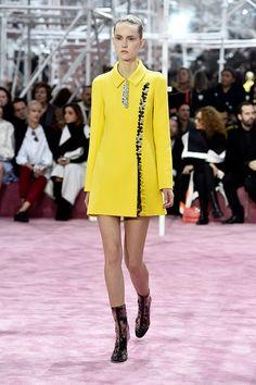 Christian Dior Paris Fashion Week Haute Couture S/S 2015 Runway