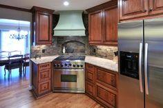 A Corner Range takes center stage traditional kitchen Home Upgrades, Kitchen Tops, Kitchen Cabinets, Kitchen Ideas, Corner Stove, Center Stage, Traditional Kitchen, My Dream Home