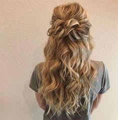 Beautiful Half Down Half Up Braided Hairstyle with curls - Beginning with something beautiful hair down from soft and romantic, to classic with modern twist these romantic wedding hair down hairstyles with gorgeous,Gorgeous Ways To Wear Your Hair Down For Prom Hairstyles For Short Hair, Braided Hairstyles, Wedding Hairstyles, Romantic Hairstyles, Popular Hairstyles, Trendy Hairstyles, Hairstyles 2018, Cute Down Hairstyles, Office Hairstyles