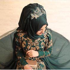 ZERAFET ABİYE FİYATI 845 TL  PINAR ŞEMS. . 36-38-40-42-43-44-45 . Bilgi ve Sipariş için: DM İade ve Değişim garantisi Dünyanın heryerine kargo  #butikzuhalll #tesettur #elbise #tasarım #minelaşk #tasarımabiye #tunik #instalike #hijaber #moda #instagood #modanisa #indirim #moda #tesettür #tesettürkombin #mezuniyet #instalike #kadın #nişan #söz #kap #istanbul #tesettür #gamzepolat #tesettürstil #kıyafet #özeltasarım #abiye #pinarsems