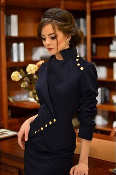 Milla is a unique and elegant jacket wearable with select occasions. it combines 2 styles of jackets: tunic and classic. it has a serious and feminine look that brings personality to your frame. Blazers For Women, Suits For Women, Jackets For Women, Women Pants, Women's Jackets, Women Blazer, Look Fashion, Womens Fashion, Fashion Design