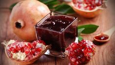 A Recipe for Pomegranate Jelly - undefined Greek Sweets, Greek Desserts, Greek Recipes, Cooking Jam, Greek Cooking, Cooking Recipes, Rose Bakery, Pomegranate Jelly, Pomegranate Benefits