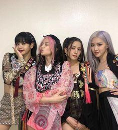 Kpop Girl Groups, Korean Girl Groups, Kpop Girls, Mode Pop, Blackpink Poster, Looks Black, Black Pink Kpop, Blackpink Photos, Blackpink Fashion