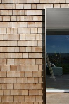 Gabled guesthouse by Sutherland & Co extends countryside cottage Cedar shingels Wooden Cladding Exterior, House Cladding, Wooden Facade, Timber Cladding, Facade House, Architectural Materials, Architectural Shingles, Timber Architecture, Architecture Details