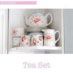 Tea set displayed in open corner of kitchen - tea pot on cake pedestal for visibility Tea Display, Pastel Kitchen, Devine Design, Pretty Mugs, Mid Century Decor, Craft Gifts, Afternoon Tea, Tea Party, Tea Cups