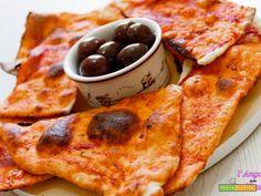 Pizza secca o Schiacciatina al gusto pizza - Ricetta