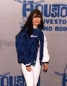 Fallow for more Selena Quintanilla Perez