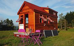 The tiny house movement is beginning to take hold in France. Here's one prime example, a tiny house built by Tiny House Concept in Central France. House Plans One Story, Tiny House Plans, Small Houses On Wheels, Tiny Houses, Style Cottage, Tiny House Exterior, Tiny House Swoon, Tiny House Listings, Beaux Villages