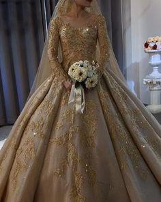 Fancy Wedding Dresses, Wedding Frocks, Luxury Wedding Dress, Indian Wedding Bride, Indian Bridal Wear, Walima Dress, Pakistani Wedding Dresses, Dessy Bridesmaid, Beautiful Long Dresses