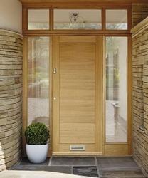 External Linear Oak | External Hardwood Doors | Doors & Joinery | Howdens Joinery