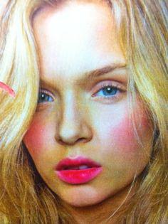 New season lip colour - Raspberry mm x